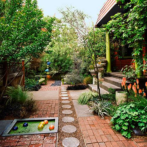Narrow backyard design ideas home design for Home yard ideas