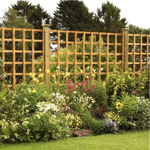Smart Ideas To Make An Impressive Fence Line Of Your Yard