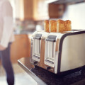 Auto-Lift 4 Slice Toaster