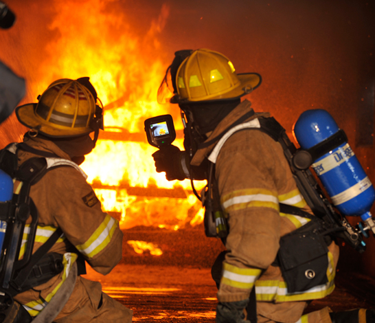 Thermal-Imaging-Camera-used-in-firefighting