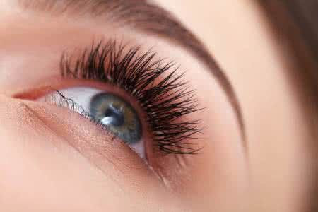 6 Ways That Will Effectively Stimulate Eyelash Growth
