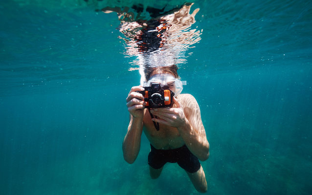 taking-photos-underwater