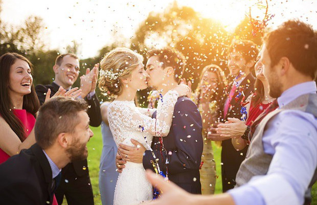 5 Tips to Having Your Dream Wedding On A Shoestring Budget