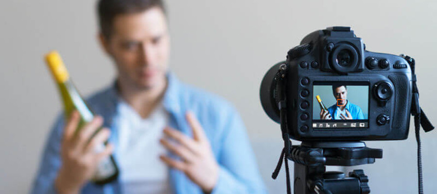 The Best 4K Video Cameras in 2020 for Photographers, Vloggers, Pros